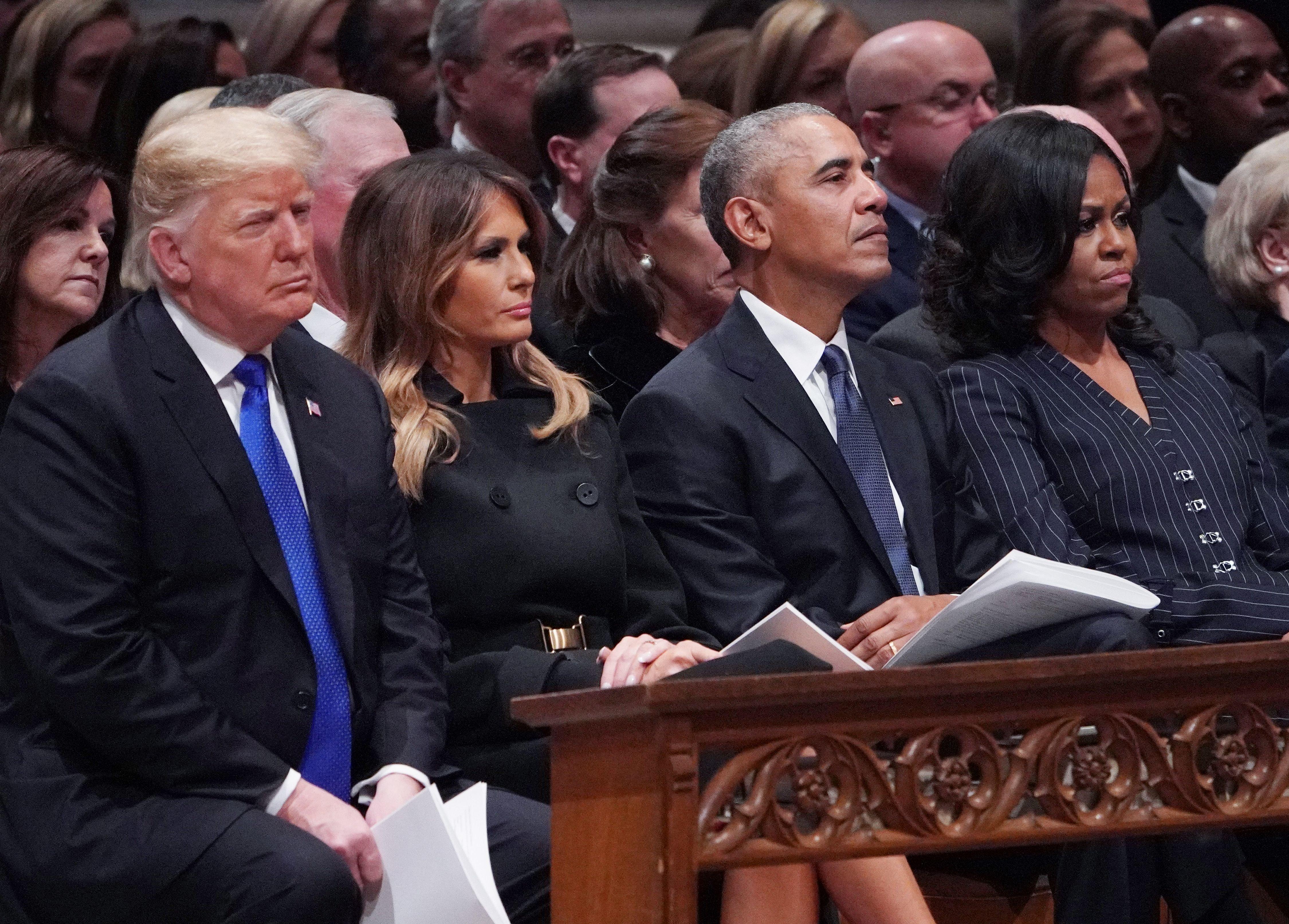 Trump und Obama: Über diese 3 Szenen auf der Trauerfeier für Bush sprechen die