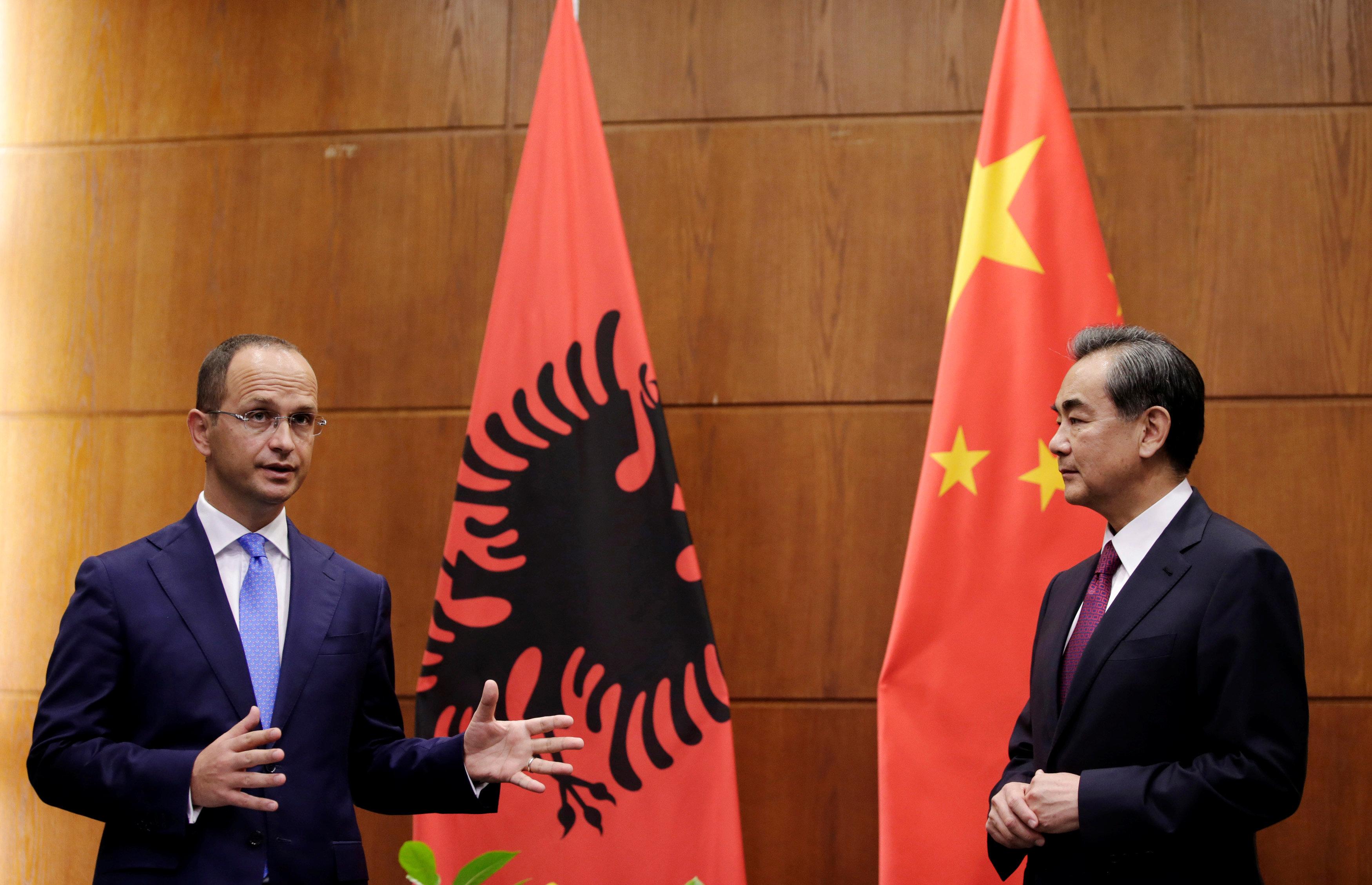 Ο αλβανός υπ.Εξωτερικών,Ντιτμίρ Μπουσάτι