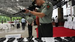 중국에서 사람에게 화상을 입히는 레이저 소총이