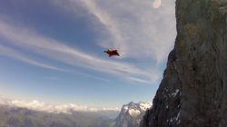 한 남성이 윙슈트만 입은 채 200km 속도로 스위스 절벽을