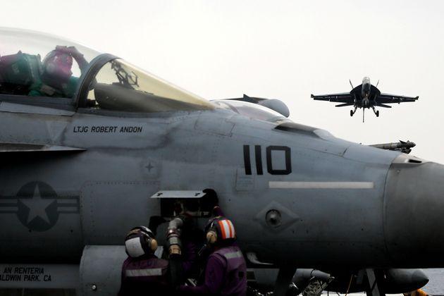 Σύγκρουση στον αέρα δύο στρατιωτικών αεροσκαφών των ΗΠΑ κοντά στην