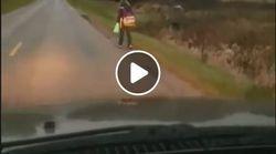 Έβαλε την κόρη του να περπατήσει 8 χλμ προς το σχολείο για να μάθει να μην κάνει bullying σε άλλα