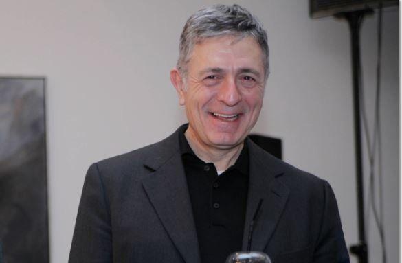 Ο Στέλιος Κούλογλου παντρεύεται την δημοσιογράφο Φωτεινή