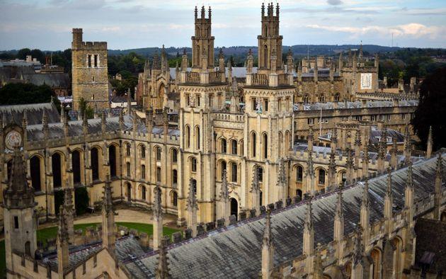 Elite Schools Send More Students To Oxbridge Than 2,900 Schools