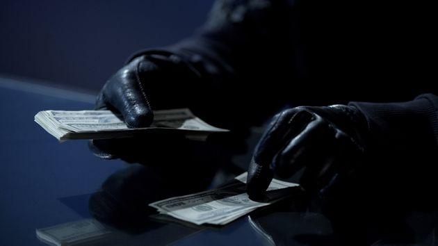 [허프 팩트체크] 국회의원들은 정말 '세금 도둑질'을 했을까요?