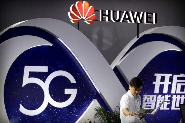 Προς αποκλεισμό των Huawei και ZTE από κρατικές συμβάσεις προσανατολίζεται η