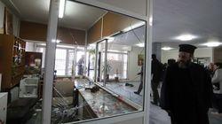 Εικόνα καταστροφής και λεηλασίας από τους αντιεξουσιαστές στη Θεολογική Σχολή του