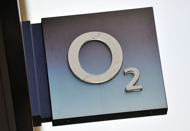 O2's 4G network lost coverage at 0530 AM (GMT) on Thursday. Services were restored on Friday morning,...