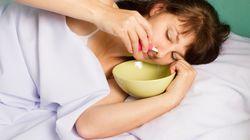 Frau macht sich bei Erkältung Nasendusche und stirbt ein Jahr später an den