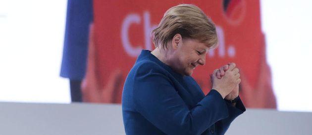 Τα δάκρυα της Μέρκελ στην τελευταία της ομιλία ως πρόεδρος του