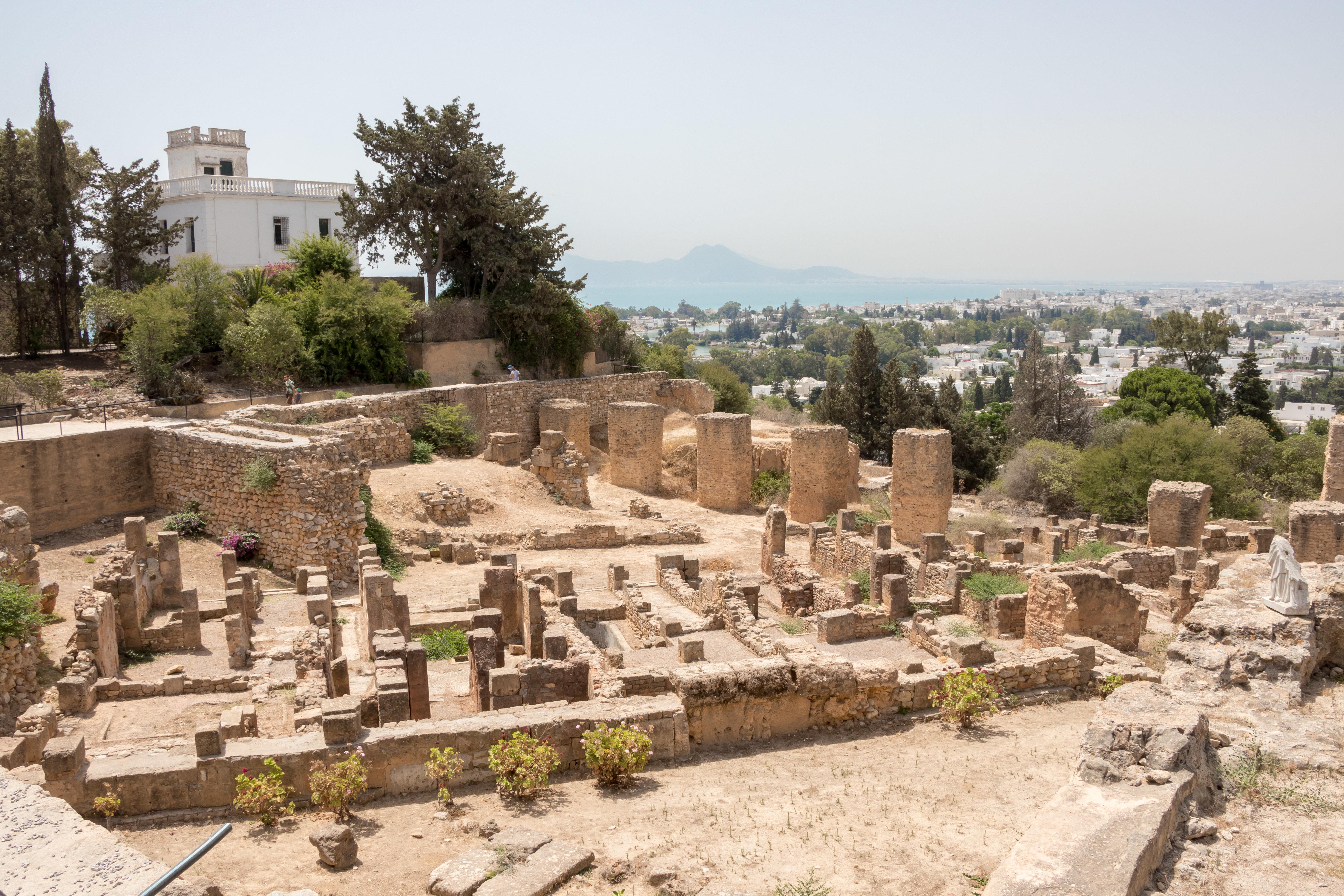 Carthago non delenda