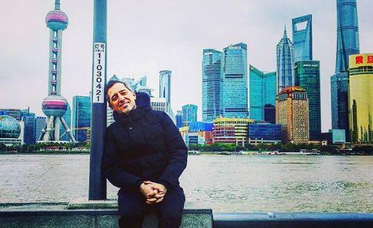 En tournée à Shanghaï, Gad Elmaleh a reçu un cadeau très spécial de la part de