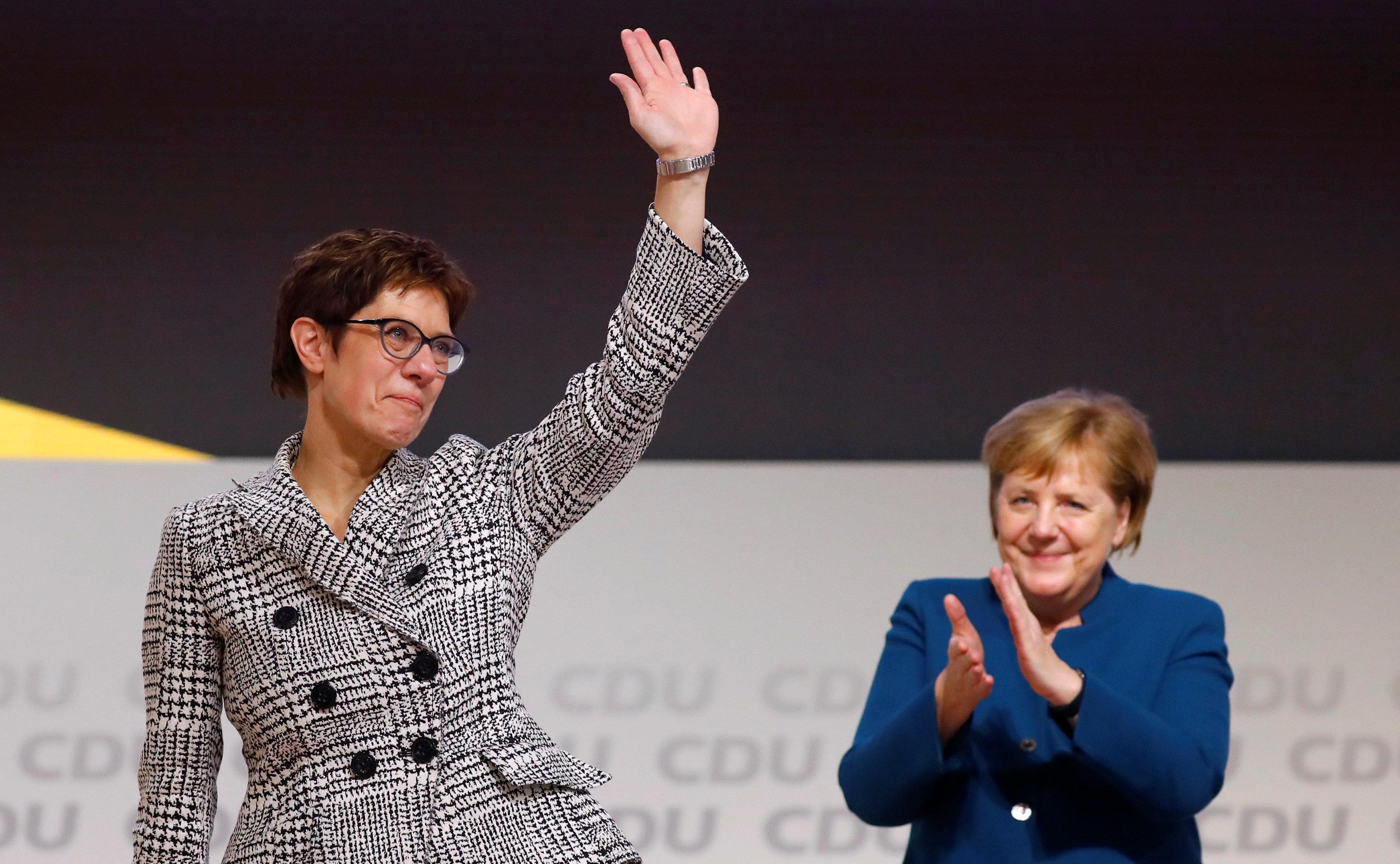 Η Ανεγκρετ Κραμπ - Καρενμπάουερ διάδοχος της Μέρκελ στο