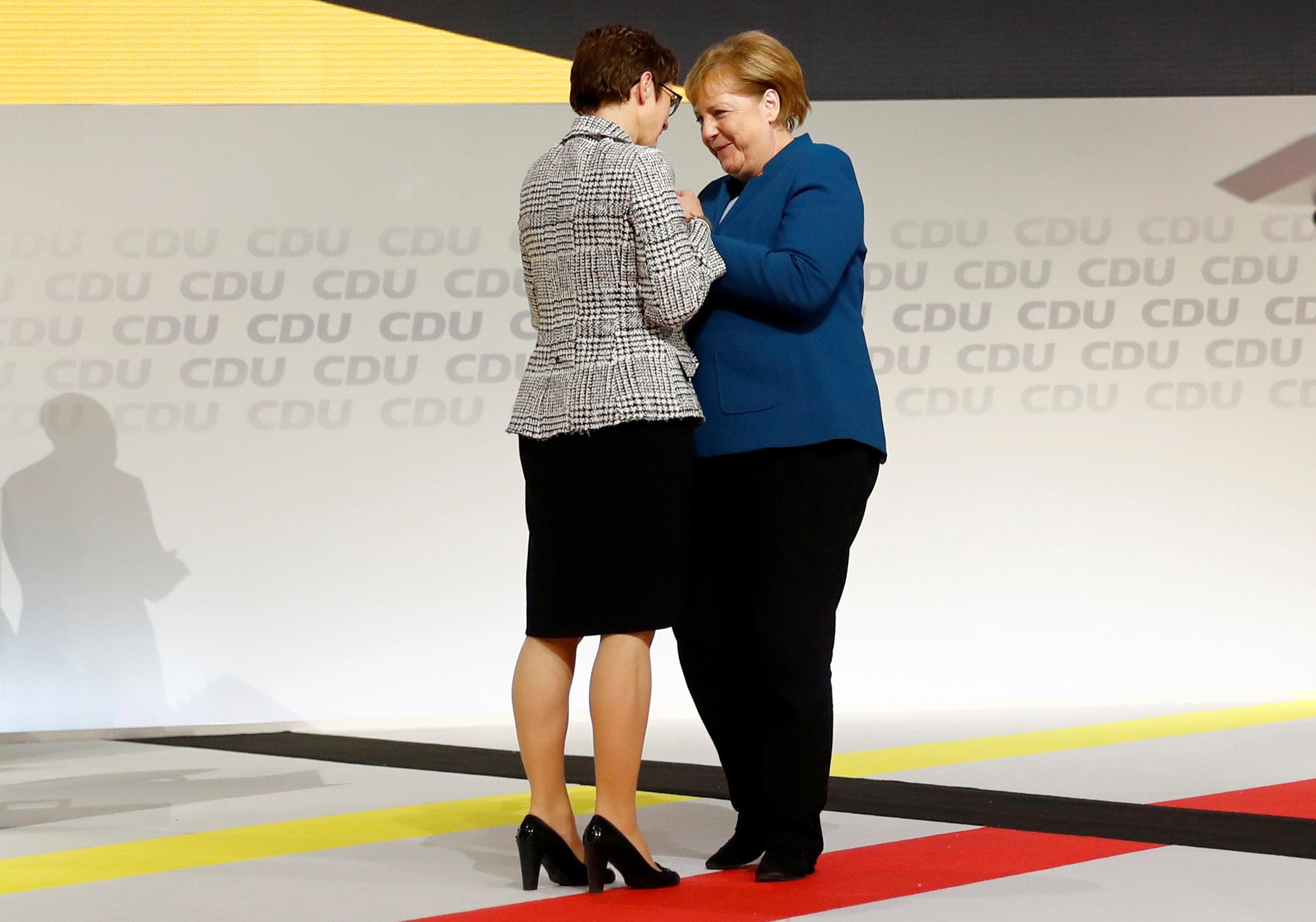 AKK wird neue CDU-Chefin: So reagiert Angela