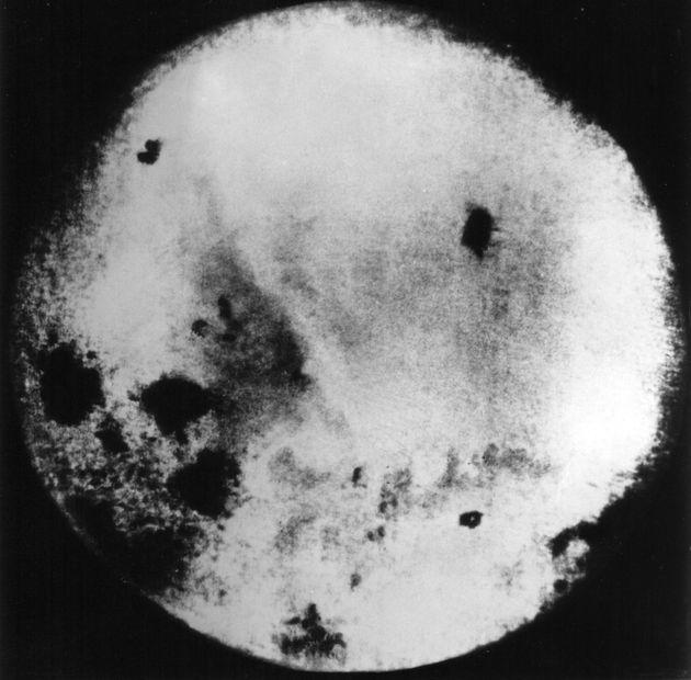 루나 3호가 찍은 달의