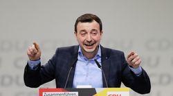 Ο Πάουλ Τσίμιακ εξελέγη Γενικός Γραμματέας του