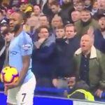 프리미어리그 경기 중 첼시 팬들의 인종차별 욕설을 들은 라힘 스털링의