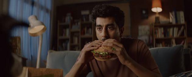 버거킹이 혼자서 와퍼를 먹기 곤란한 반려인들을 위해 내놓은