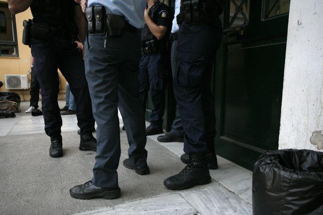 Στα χέρια της Δίωξης τρεις άνδρες που κατηγορούνται για διακίνηση υλικού παιδικής