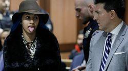 Η Cardi B έμαθε ότι είναι υποψήφια για Γκράμι έξω από το δικαστήριο και δεν της άρεσε