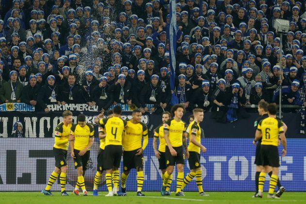 Schalke-Fans beim Revierderby.