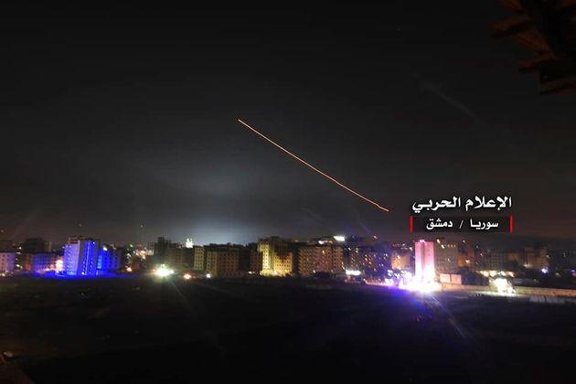 Πυρ εναντίον εναερίων στόχων κοντά στη Δαμασκό άνοιξε η συριακή