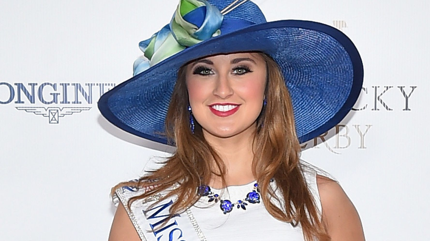 Ex-Miss Kentucky charged with sending nude photos to 15