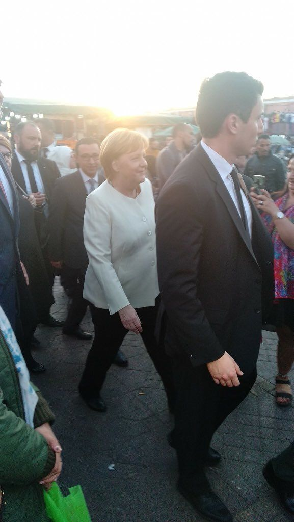 Marrakech: La chancelière allemande Angela Merkel s'offre une balade à Jemaa El