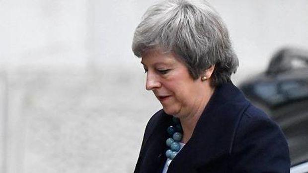 Lähteet: Theresa May peruu parlamentin brexit-äänestyksen