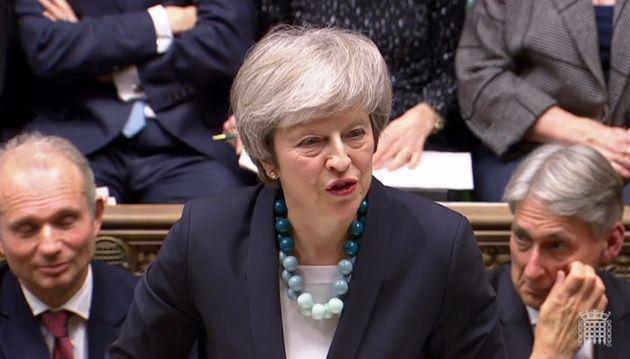 Brexit: Αναβολή της ψηφοφορίας στη Βουλή ανακοίνωσε η