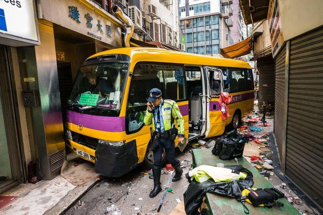 Χονγκ Κονγκ: Λεωφορείο χωρίς οδηγό σκοτώνει τέσσερις και