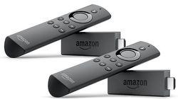 Zwei Amazon Fire TV Sticks mit Alexa-Sprachfernbedienung zum