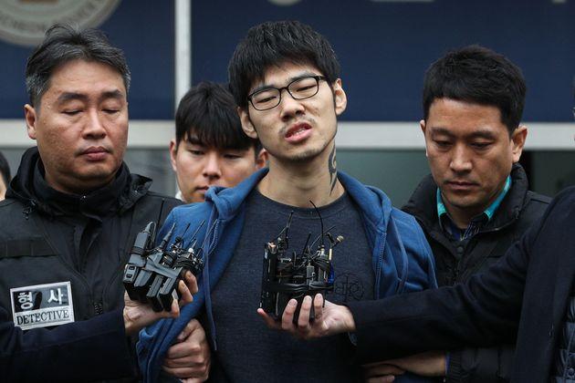 검찰이 'PC방 살인사건' 피의자 김성수를 둘러싼 '두 가지 쟁점'에 대해 내린