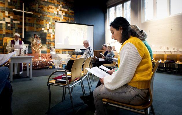 12월 6일 탐라지안 가족들이 베델교회의 신도들과 함께 예배를 드리고