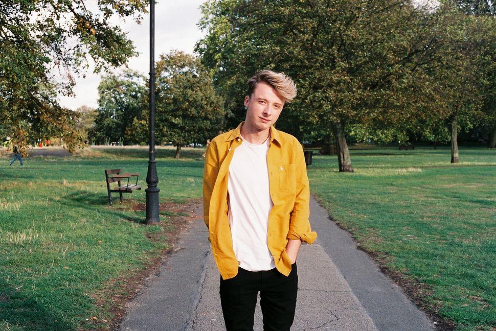 윌 메이릭은 지난해 12월 동성애 혐오 공격을 받았다. 20세 학생인 그는 런던 지하철에서 공격을 받던 순간