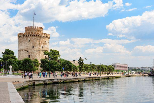 Μεγάλη επιχείρηση της ΕΛ.ΑΣ. στη Θεσσαλονίκη για ναρκωτικά – 100 προσαγωγές, 40