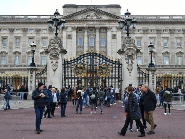 Σκάνδαλο μεγατόνων στο παλάτι: Σοφέρ της βασίλισσας κακοποιούσε