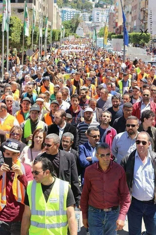 Marée humaine à Bejaïa pour dénoncer le blocage des investissements de