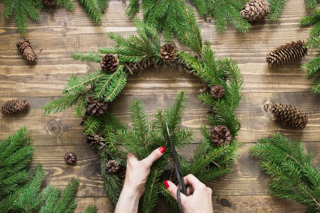 How To Make A Gorgeous Christmas Wreath, According To