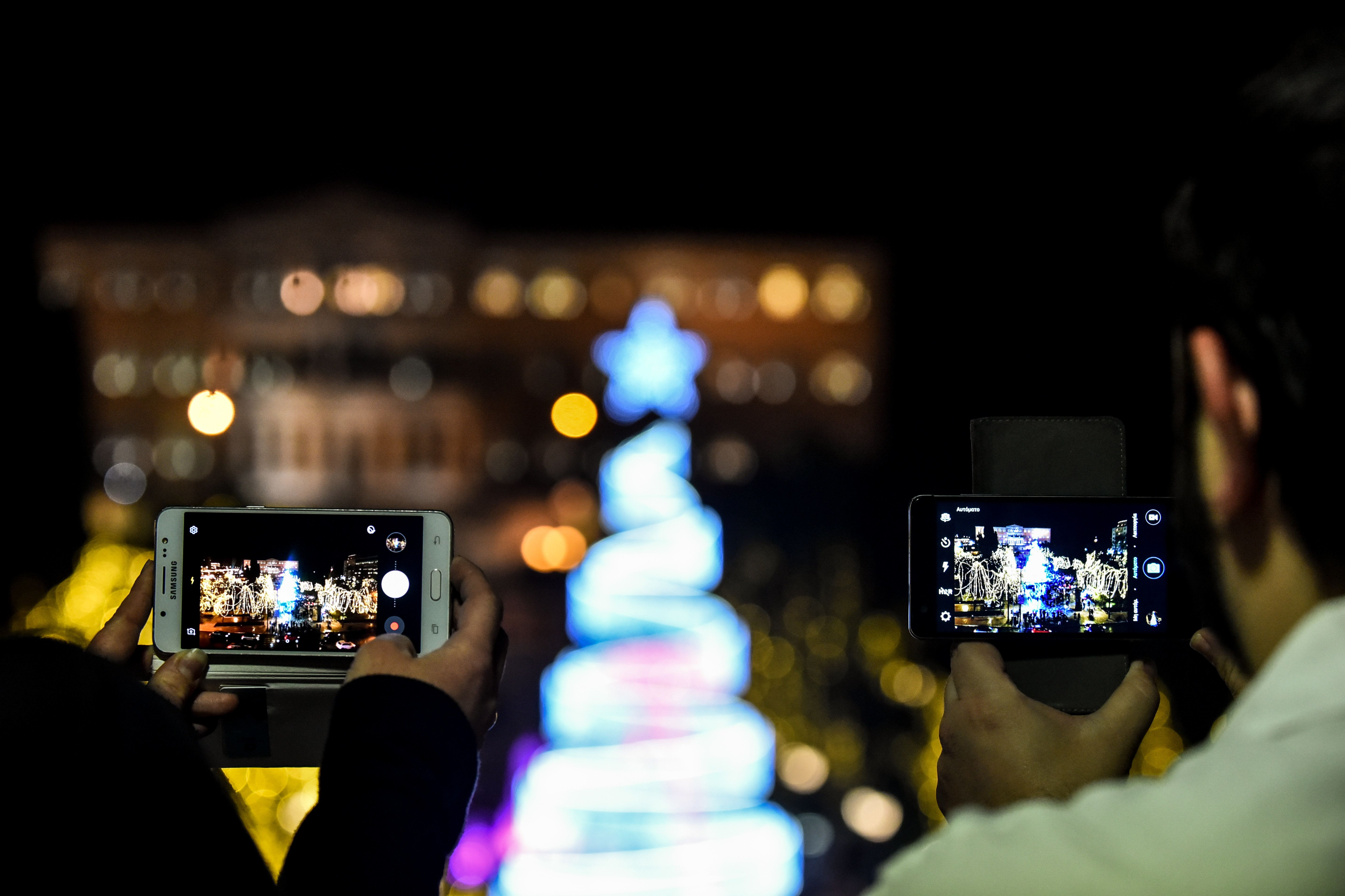 Έβαλε τα γιορτινά της η πλατεία Συντάγματος -Όλες οι δωρεάν χριστουγεννιάτικες εκδηλώσεις στην