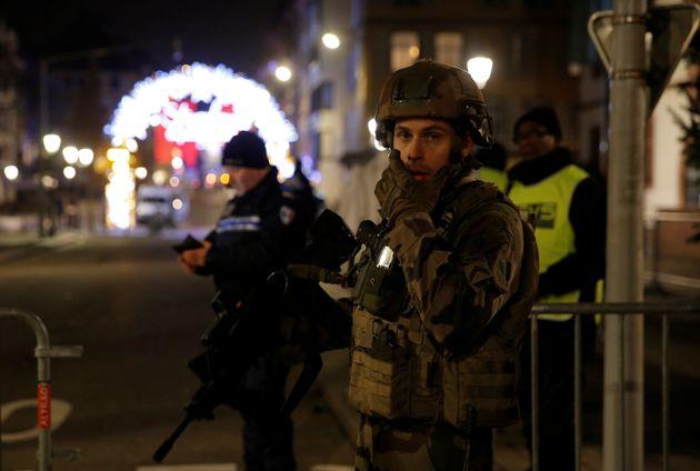 Terroranschlag Detail: Anschlag In Straßburg: Polizei Umstellt Täter In Haus Und