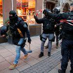 Trois morts dans l'attaque de Strasbourg: le tireur en fuite traqué, la France passe en