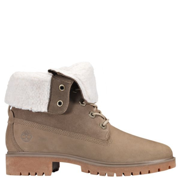 553f02ecccd 10 Winter Boots That Go With Everything And Keep You Warm | HuffPost ...