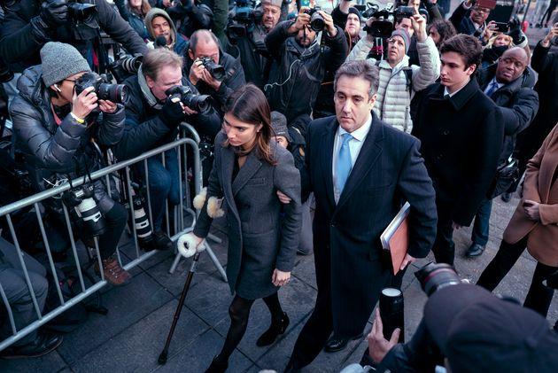 Τρία χρόνια φυλακή στον πρώην δικηγόρο του Τραμπ, με «καρφιά» κατά του