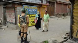 Muslim Couple Braves Srinagar Curfew To Feed Hindu