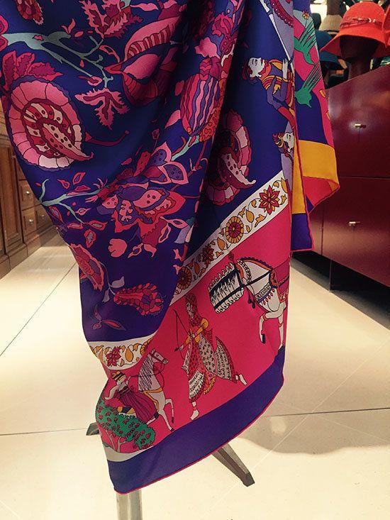 How Indian Style Set European Scarves