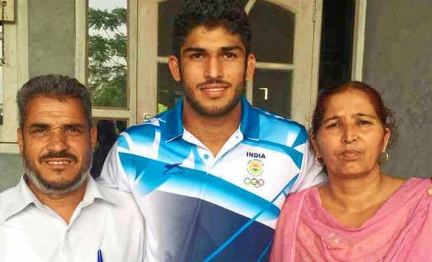 Help Avtar Singh's Parents Cheer Him On At The Rio