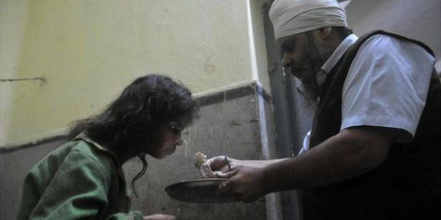 This Man Has Been Giving Free Food And Medicines To Abandoned Patients In Patna For 20
