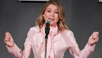 LOS ANGELES, CA - OCTOBER 15:  Ellen Pompeo speaks onstage at ELLE's 25th Annual Women In Hollywood Celebration presented by L'Oreal Paris, Hearts On Fire and CALVIN KLEIN at Four Seasons Hotel Los Angeles at Beverly Hills on October 15, 2018 in Los Angeles, California.  (Photo by Neilson Barnard/Getty Images for ELLE Magazine)