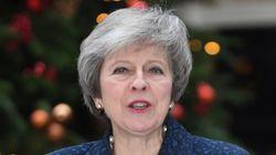 테레사 메이 영국 총리가 불신임 위기를 넘기며 총리직을